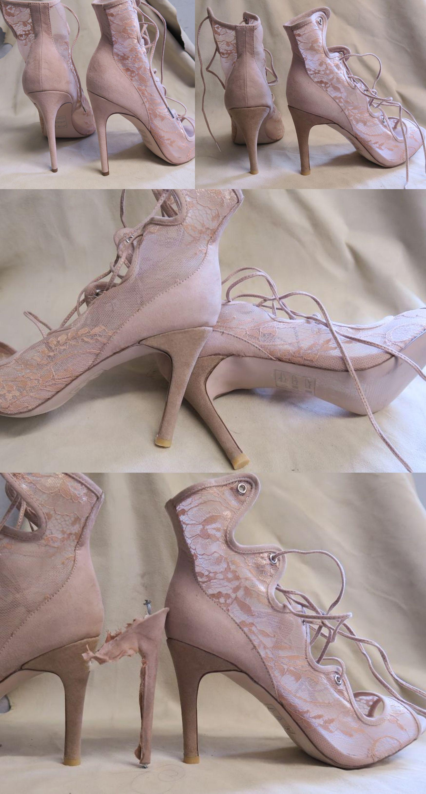 modelowanie-obcasow-w-koronkowych-sandalkach